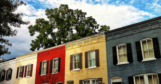 Do Occupied Homes Sell Better Than Empty Ones?