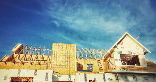 Confidence In New Home Market Falls In April